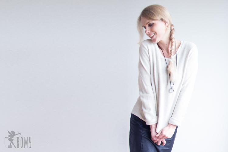 02_myfavouritesweater